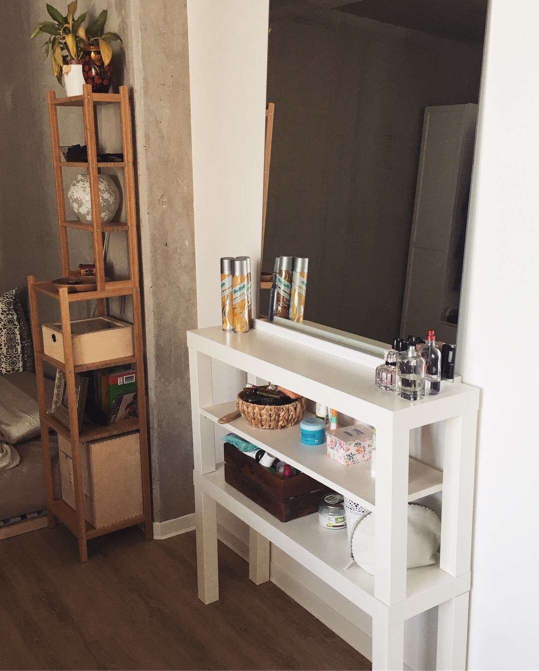 IKEA Hack: Low Budget DIY Make-Up Schminktisch